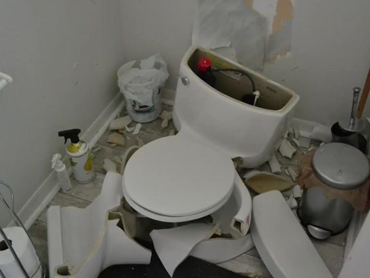 . Lightning strike destroys Florida woman s toilet