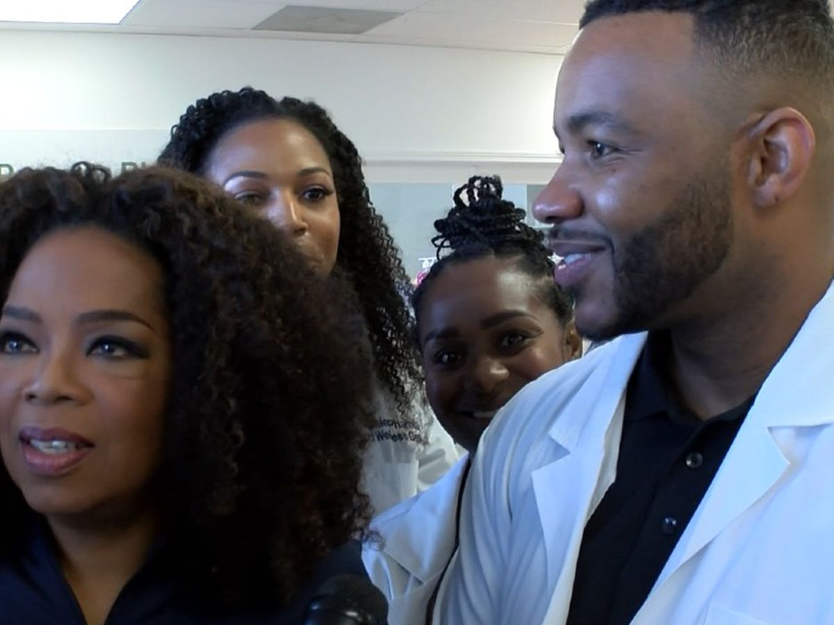 Oprah surprises local pharmacist, encourages health during Charlotte visit of Vision 2020 Wellness Tour
