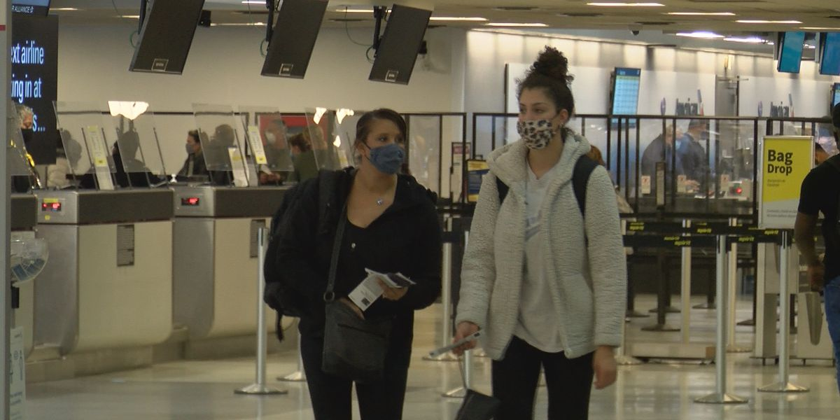 Charlotte residents, travelers sound off on Thanksgiving travel as CDC releases updated COVID guidelines