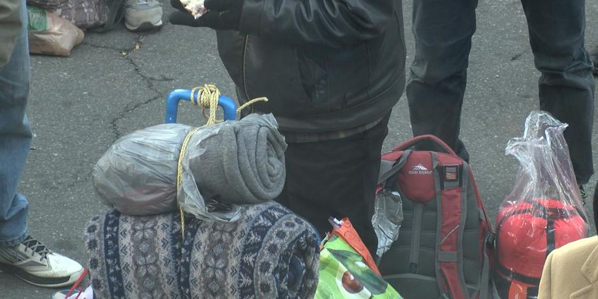 Homeless shelters expand capacities ahead of weekend temperature dip