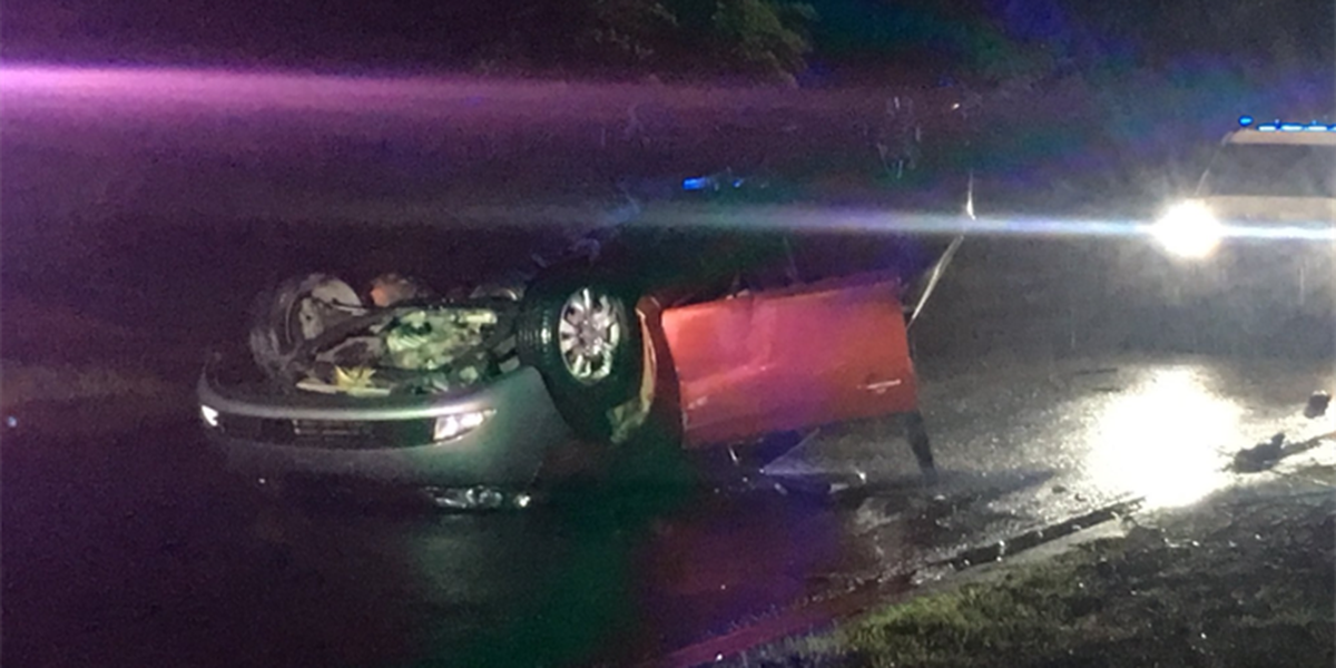 Driver flees after crashing in east Charlotte, police say