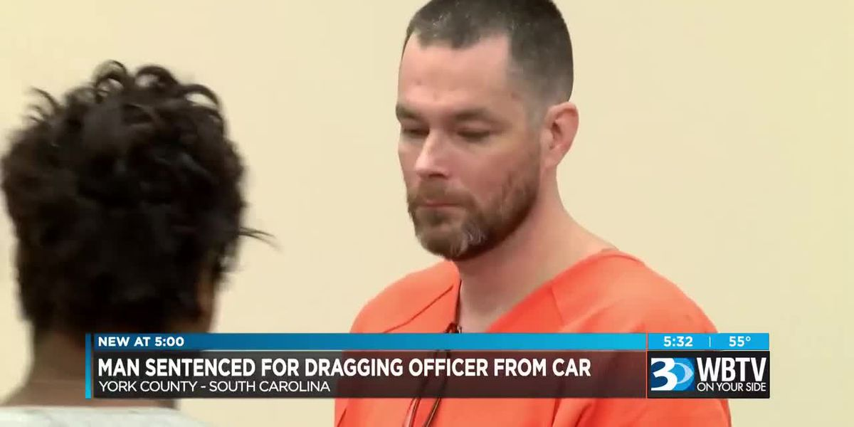 Man sentenced for dragging officer from car