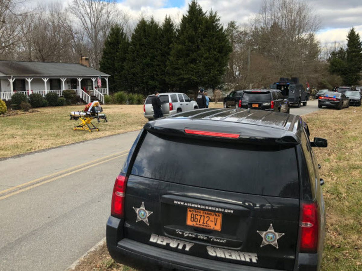 Man accused of fatally stabbing mother taken into custody after hours-long standoff in Catawba Co.