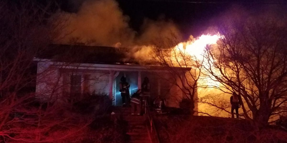 At least 2 people displaced in Kannapolis house fire