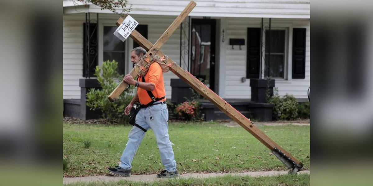 A message of love: York, SC man carries cross as symbol of his witness