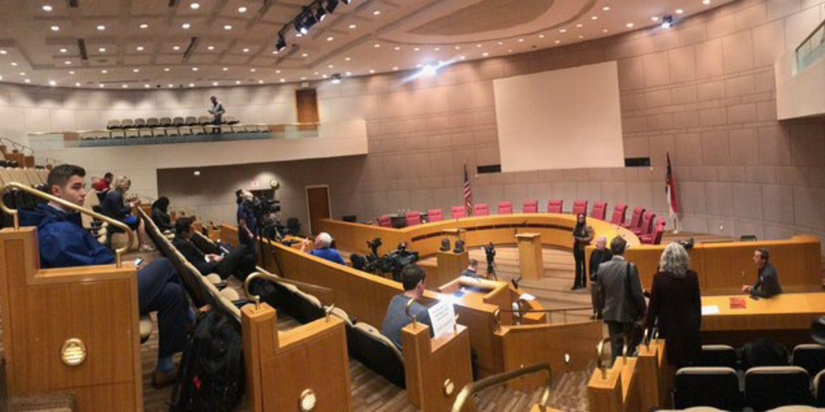 Charlotte City Council passes resolution, requesting CMPD to adopt '8 Can't Wait' initiative