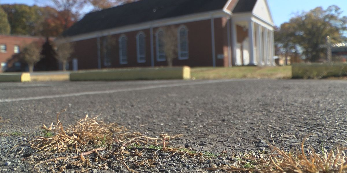 Warrant: Criminals use church parking lot to stash getaway car during armed robberies