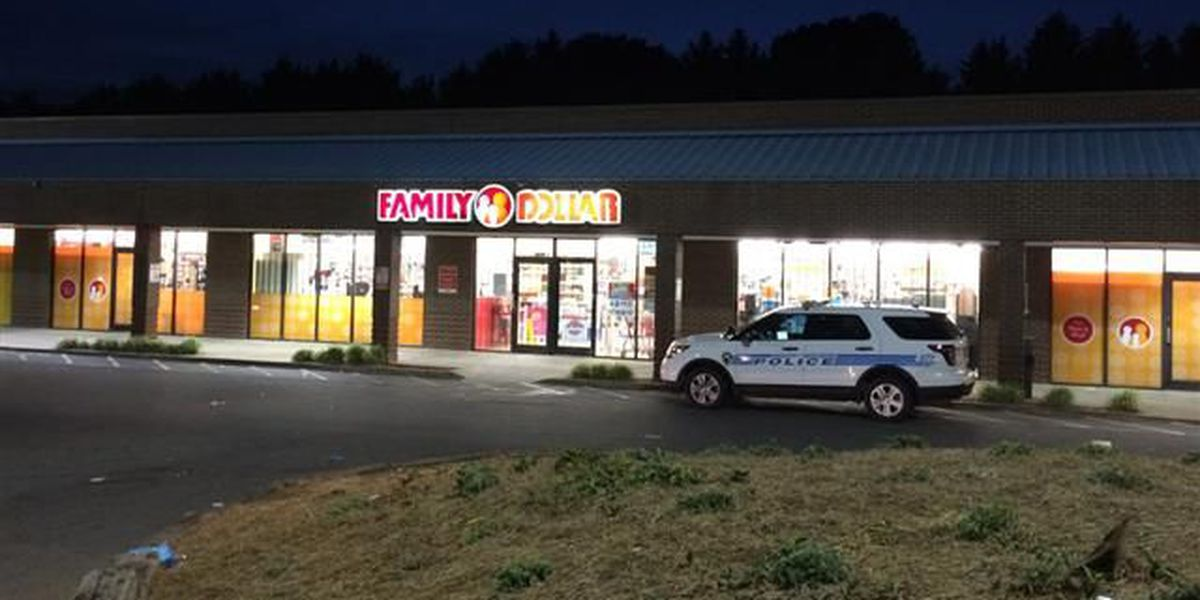 Police: Charlotte Family Dollar robbed at gunpoint