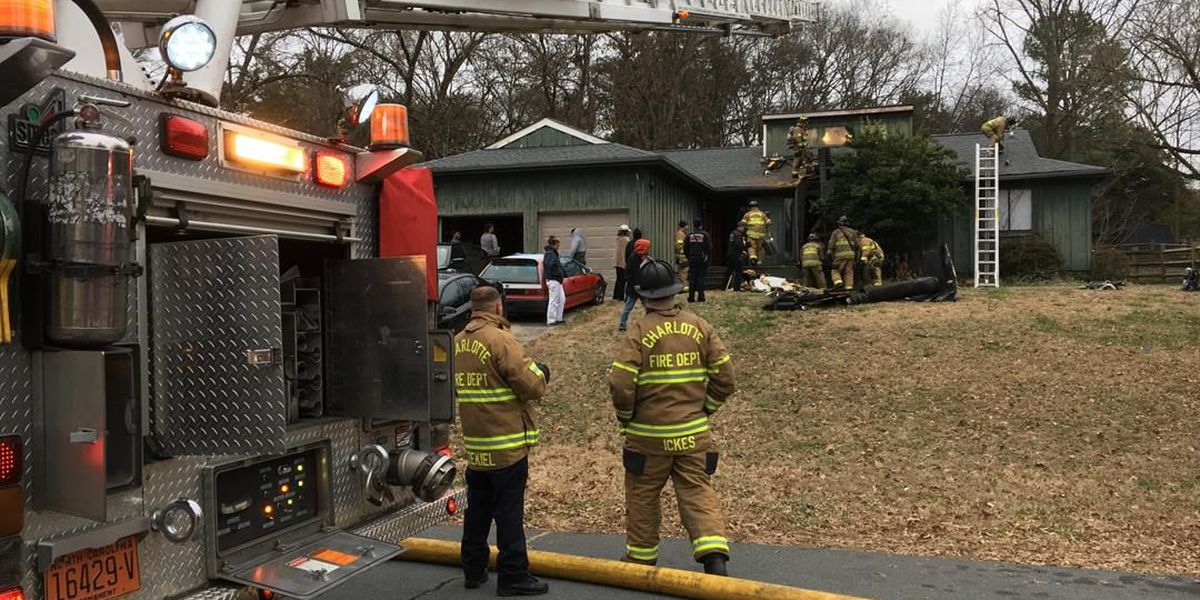 One injured in house fire in south Charlotte