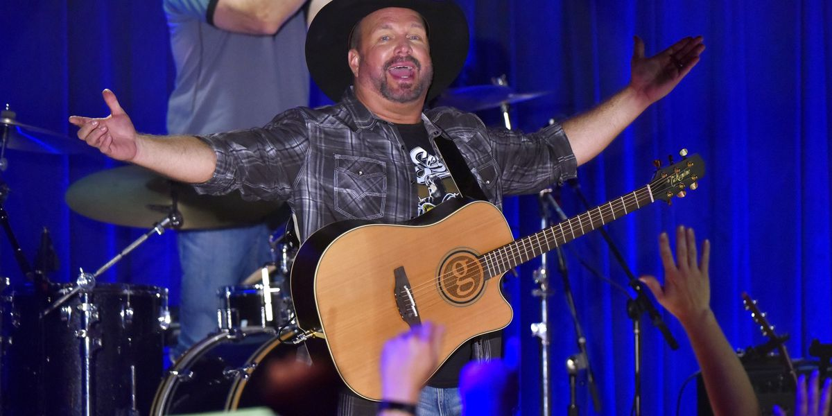 Garth Brooks' Charlotte show sells out in 90 minutes