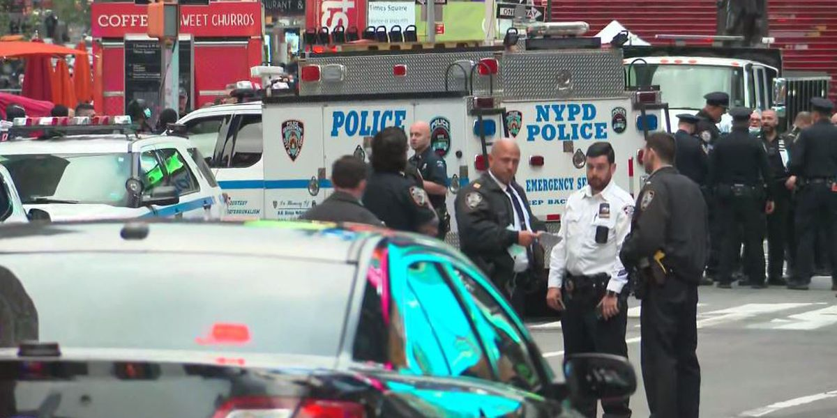 Police: 3 hit by stray bullets, including 4-year-old girl, in Times Square fight
