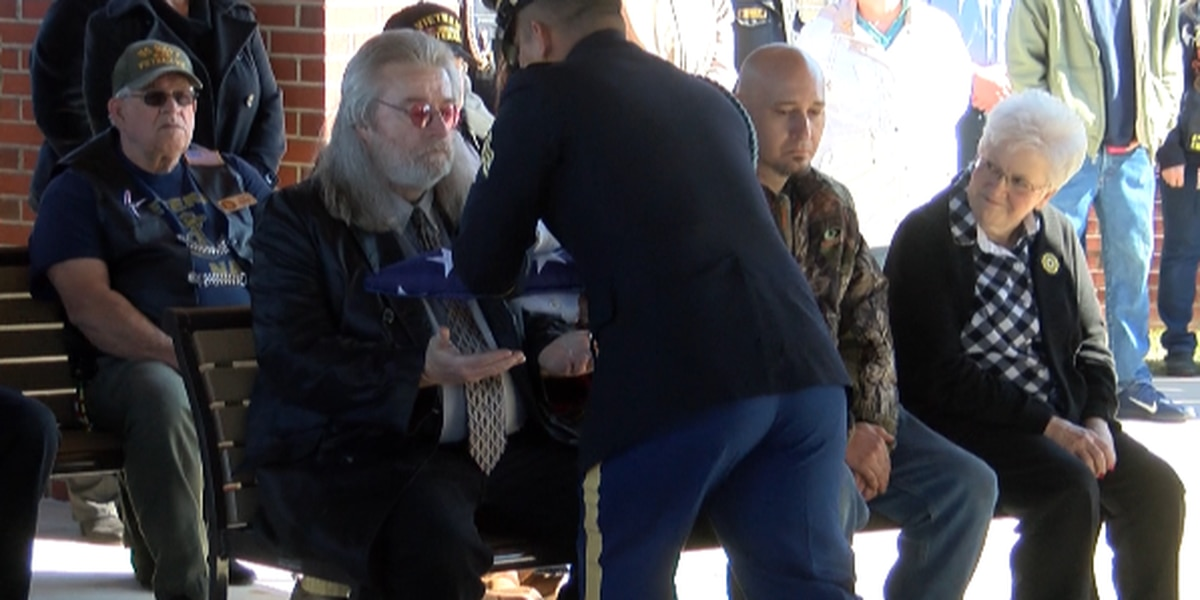 Community offers fitting tribute to Vietnam veteran who died without family