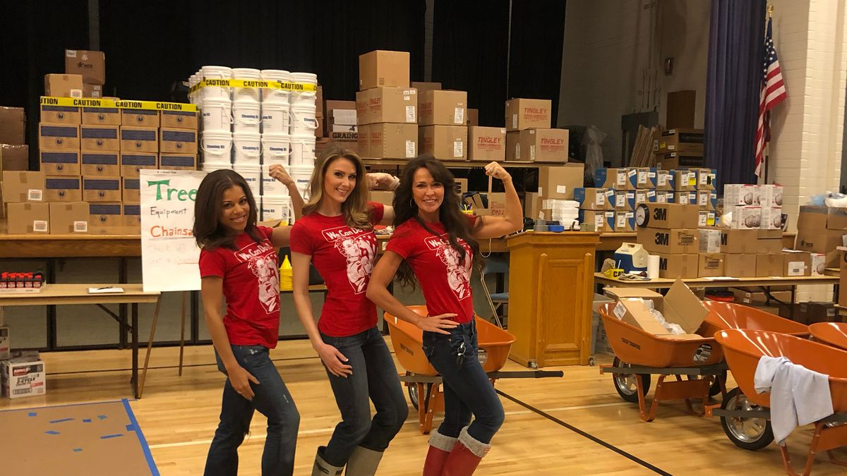National pageant winners help with local Florence recovery efforts