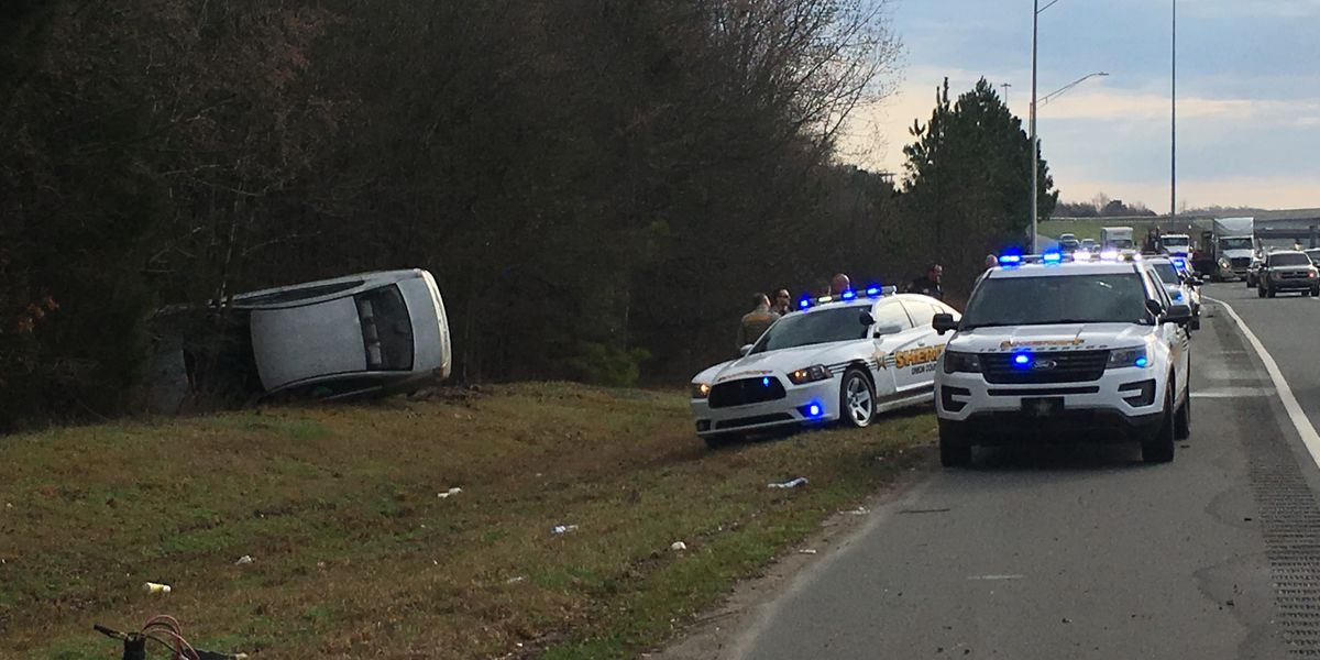 Monroe police chase ends with rollover crash on I-485 in south Charlotte
