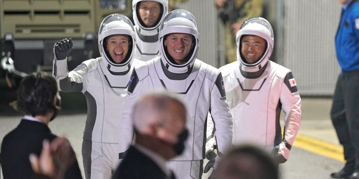 SpaceX Falcon 9 rocket launch carries four astronauts
