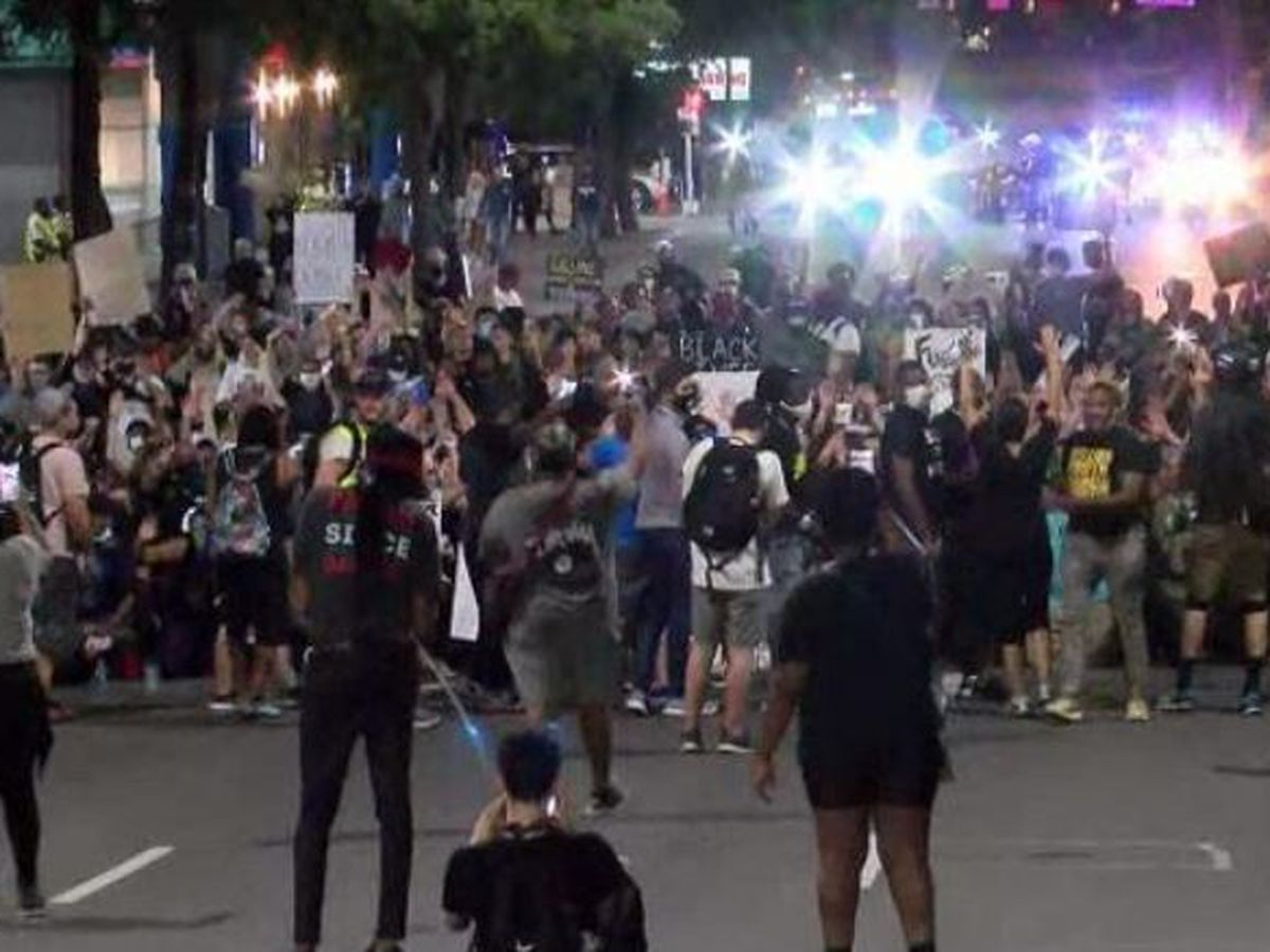 Large crowd attends peaceful protests in uptown Charlotte, CMPD follows along
