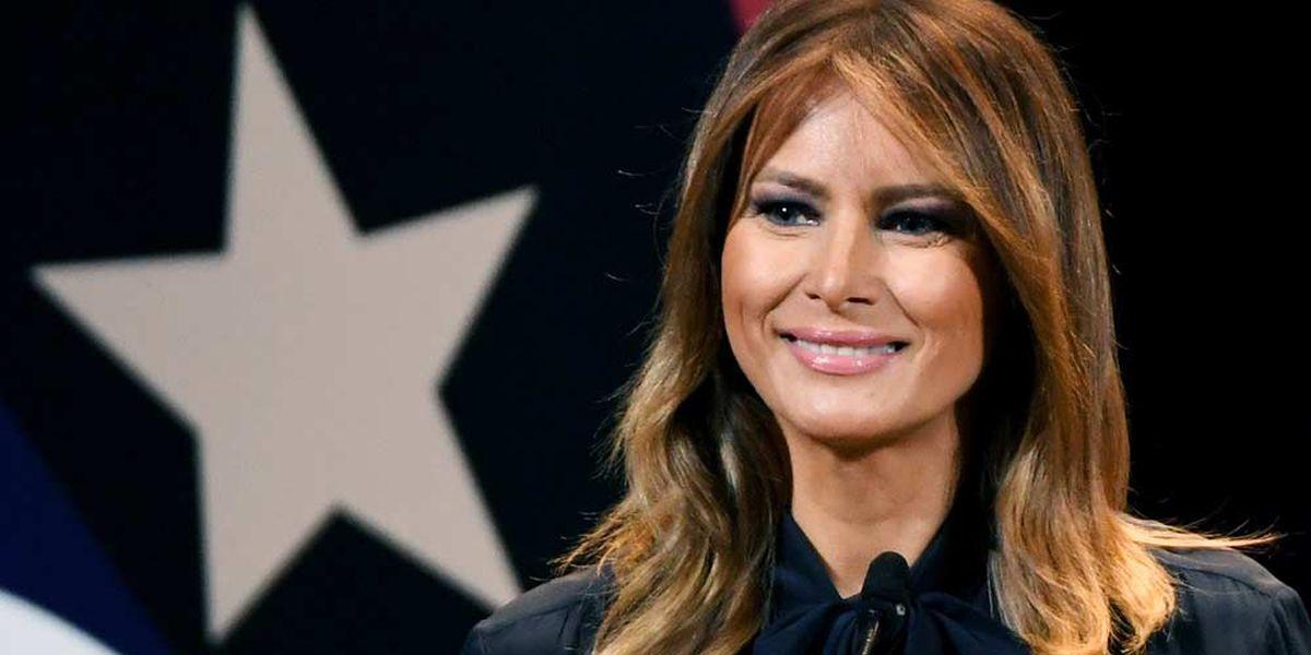 'She still can't speak English,' Bette Midler tweets during Melania Trump's RNC speech