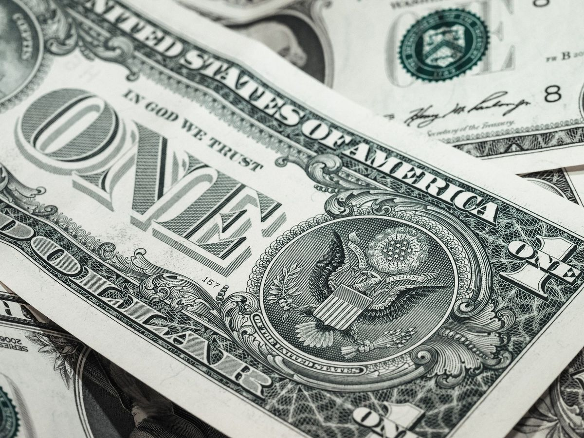 Minimum wage would be $44 today if it grew at same pace as Wall Street bonuses