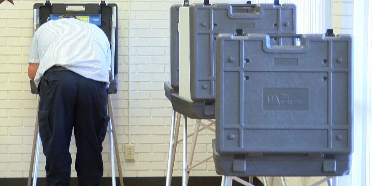 Iredell County residents scramble to register to vote ahead of deadline