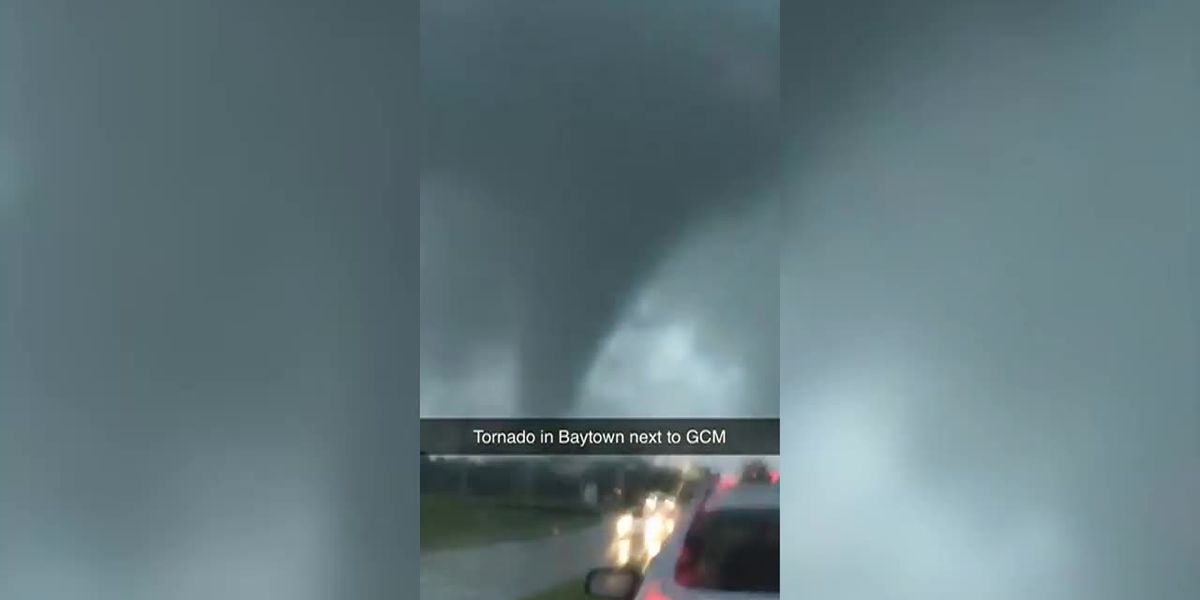Imelda: Tornado in Baytown, Texas caught on camera