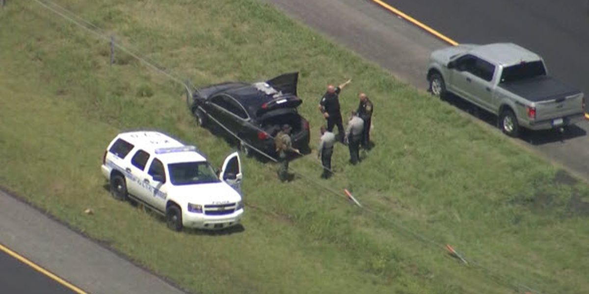 Driver on the run after evading troopers, crashing car with drugs inside on I-485