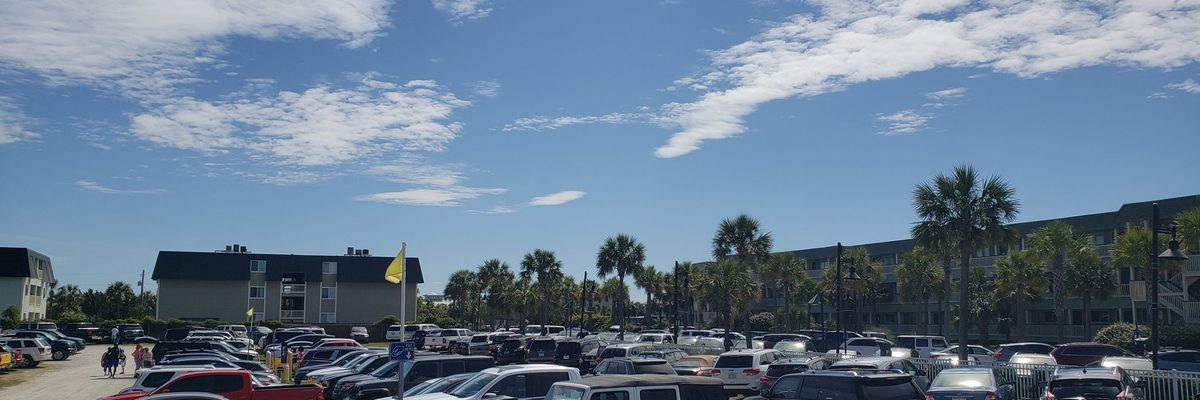 Isle of Palms parking lots full, traffic heavy during Memorial Day Weekend