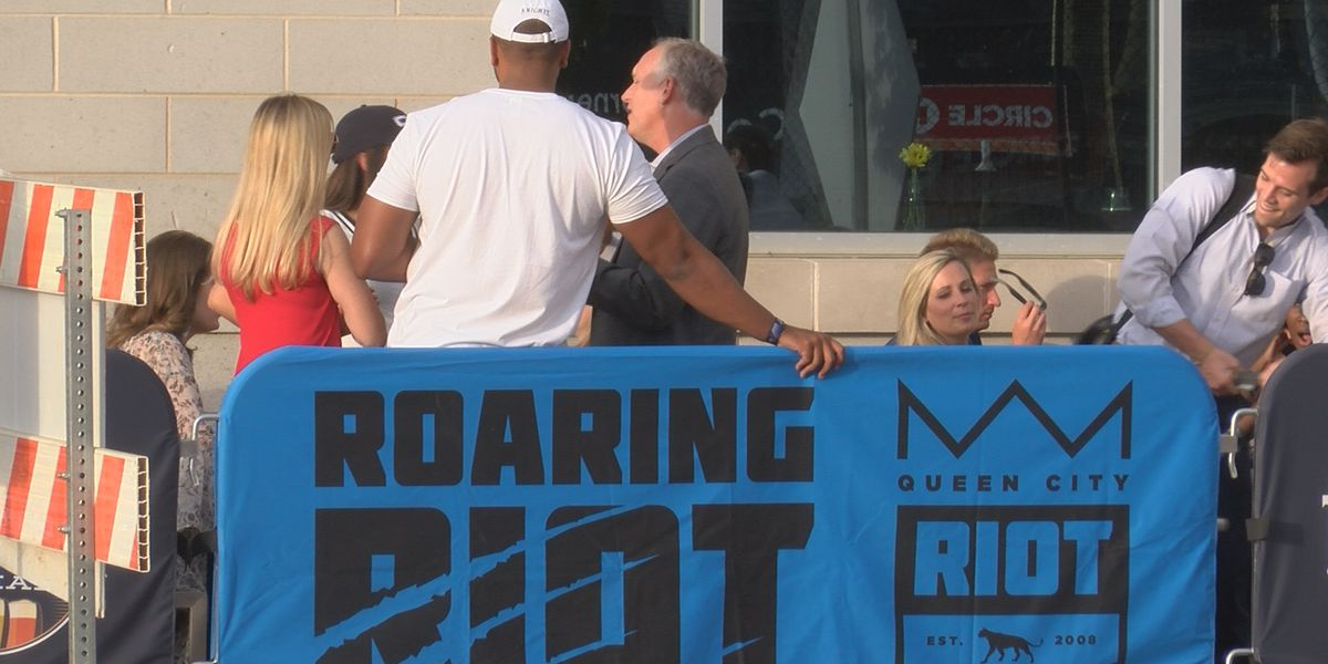 Charlotte football fans sound off on Panthers headquarters relocation to South Carolina