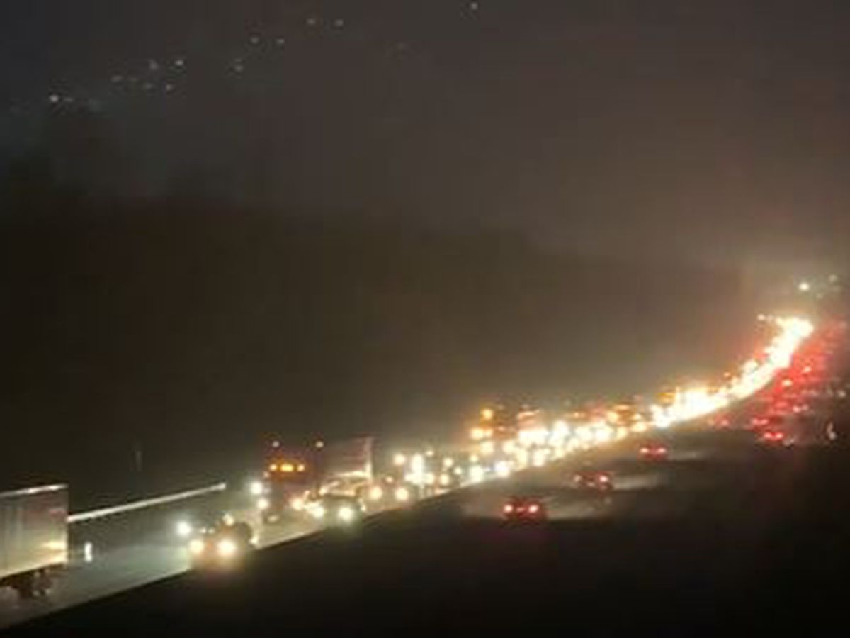 Crash causes 7+ mile backup along I-85 NB in west Charlotte