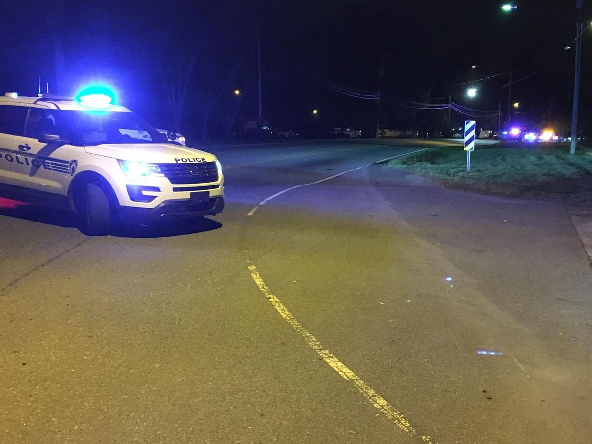 One killed in crash in north Charlotte