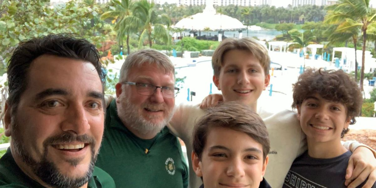 Charlotte 49ers fans flock to Bahamas for first bowl game in football team's history