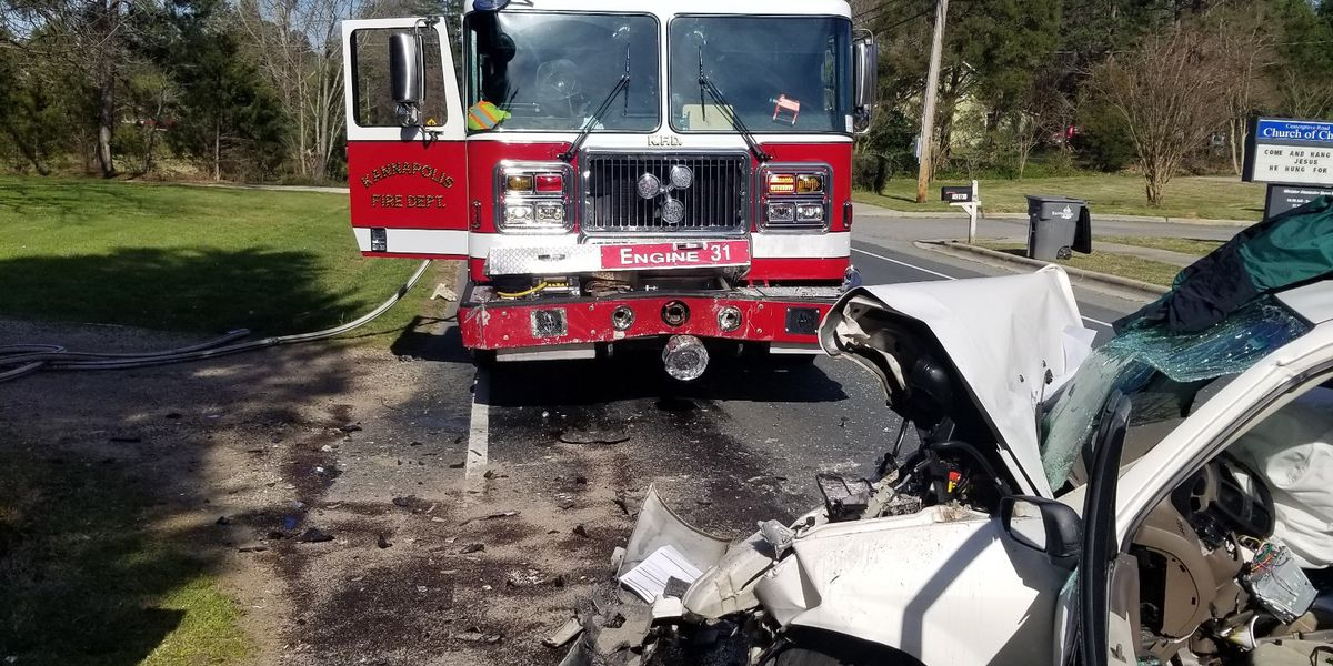 Driver killed after car strikes Kannapolis fire truck, injuring four firefighters