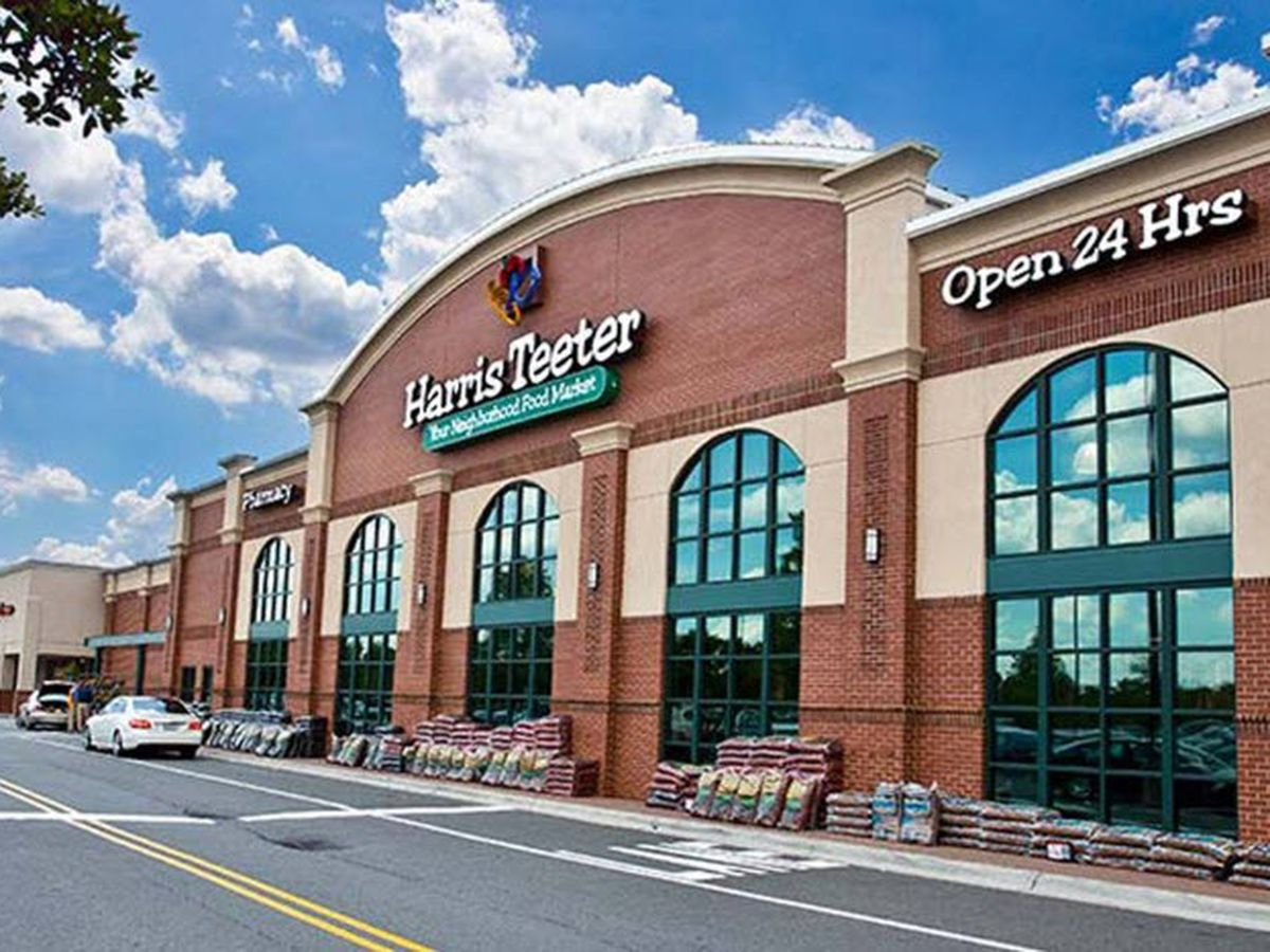 Harris Teeter now limiting number of customers allowed inside amid COVID-19 pandemic