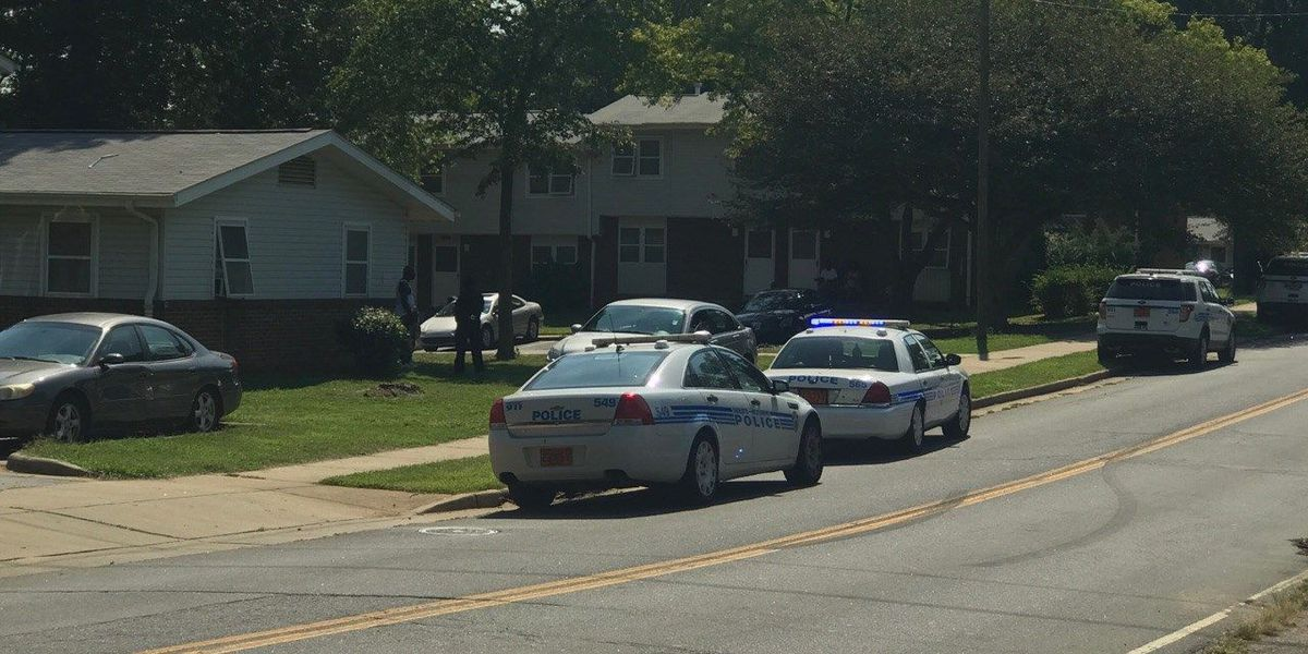 Person shot in leg in northeast Charlotte