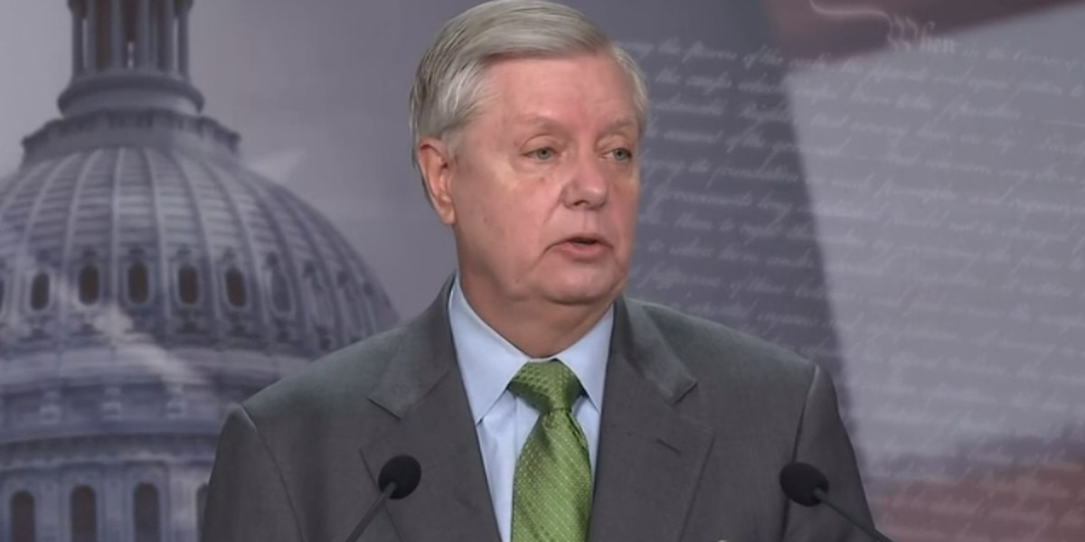 S.C. Senator Lindsey Graham says he has an AR-15 to protect his home from gangs