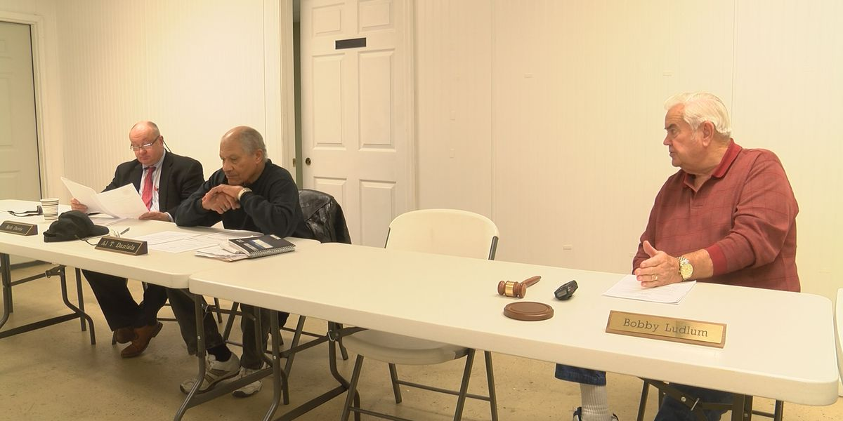 Bladen election officials prepare for possible election