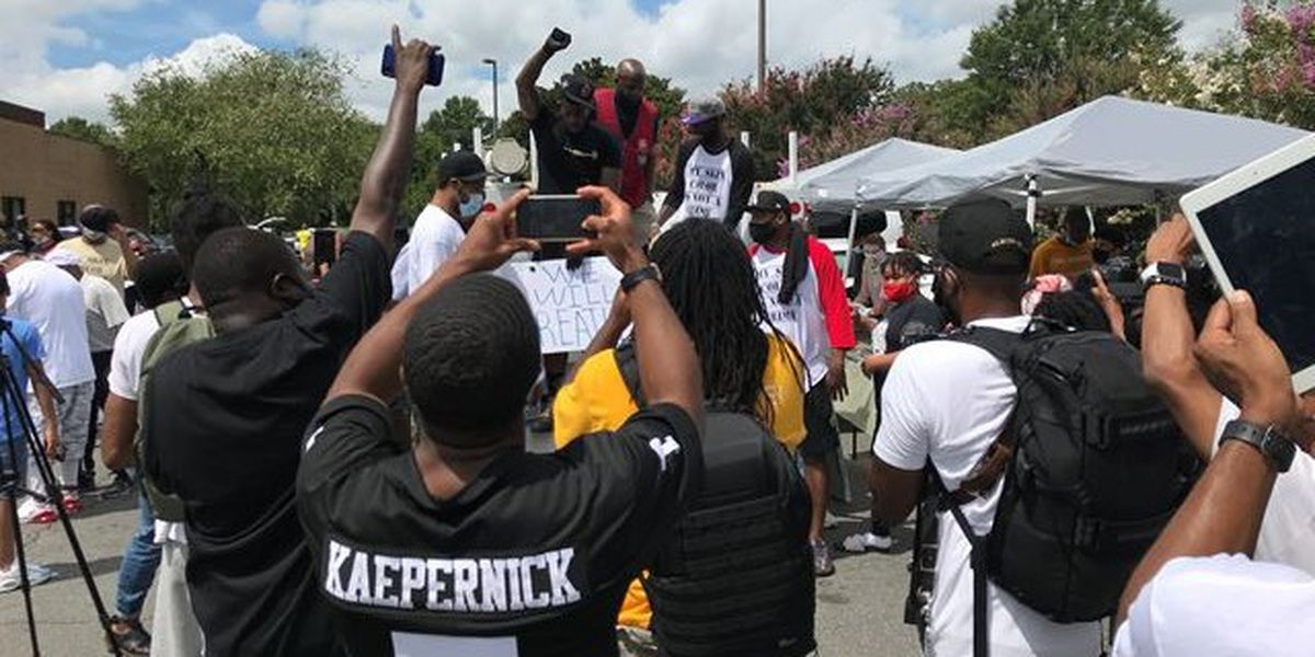 Rasheed Wallace leads rally against racism in west Charlotte