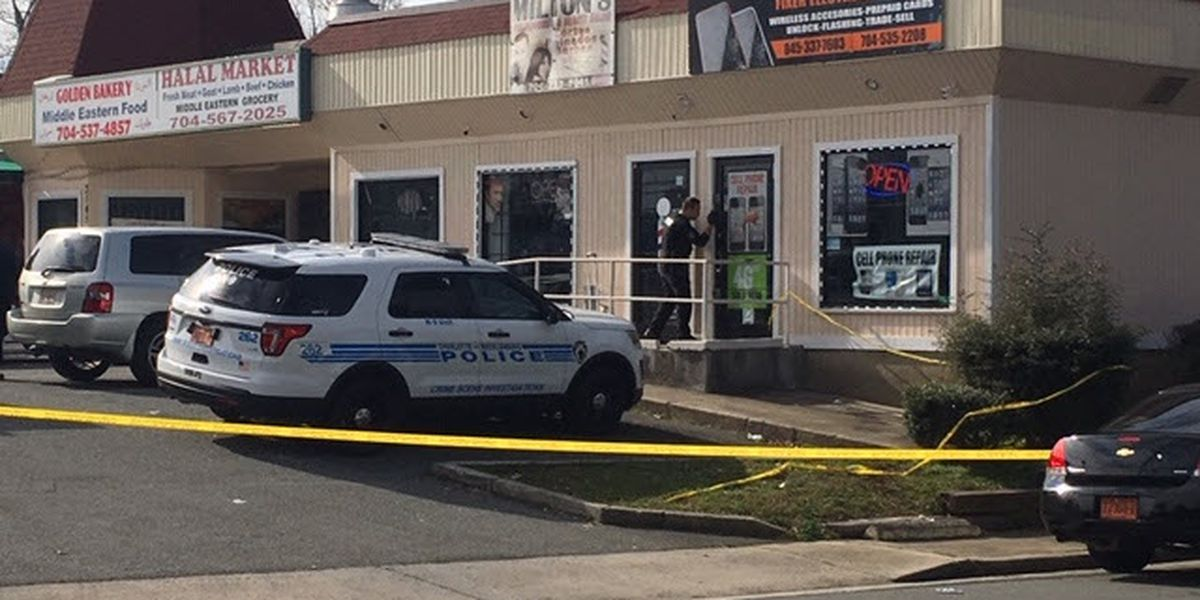 Man shot in southeast Charlotte store dies at hospital